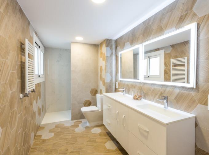 Biến đổi phòng tắm từ nhỏ hóa rộng không thể bỏ qua