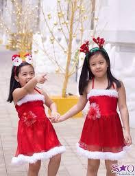 http://stc.bindo.vn/uploads/news/cach-chon-trang-phuc-cho-be-cung-don-giang-sinh18.jpg