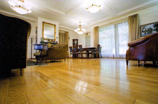 Cách nhận biết sàn gỗ tự nhiên kém chất lượng