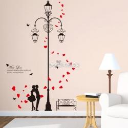 Decal dán tường Cột đèn tình yêu