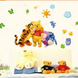 Decal dán tường Gấu pooh vui chơi