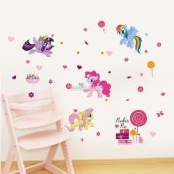 Decal dán tường Gia đình Ngựa Pony sắc màu 3