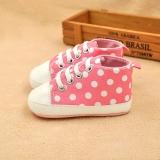 Giày tập đi cho bé màu hồng chấm tròn