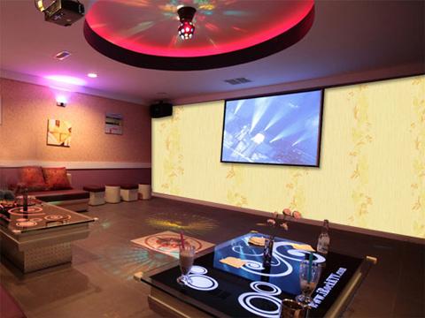 https://stc.bindo.vn//files/giay-dan-tuong/giay-dan-tuong-trang-tri-phong-karaoke.3.jpg
