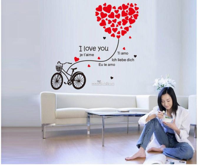 Decal dán tường  Xe đạp trái tim đỏ