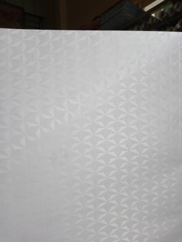 Decal dán tường dán kính mờ hình lập thể hình chóp