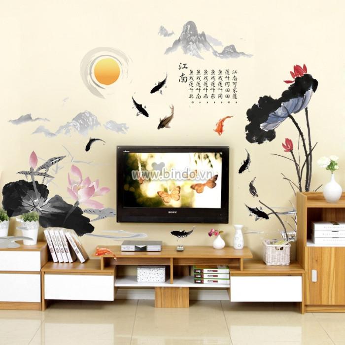 Decal dán tường Hoa sen và cá chép