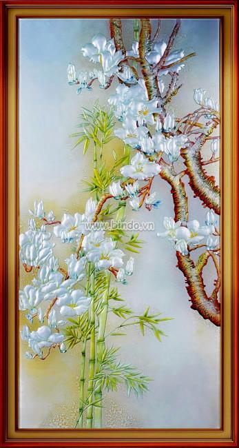 Tranh ngoc hoa sứ trắng và bụi trúc xanh