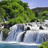 Tranh thác nước trên sông Krka. Vườn quốc gia, Dalmatia, Croatia