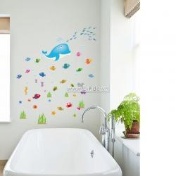 Decal dán tường Đàn cá sắc màu 4