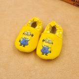 Giày tập đi cho bé Minions màu vàng