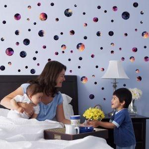 Decal dán tường Những quả địa cầu sắc màu